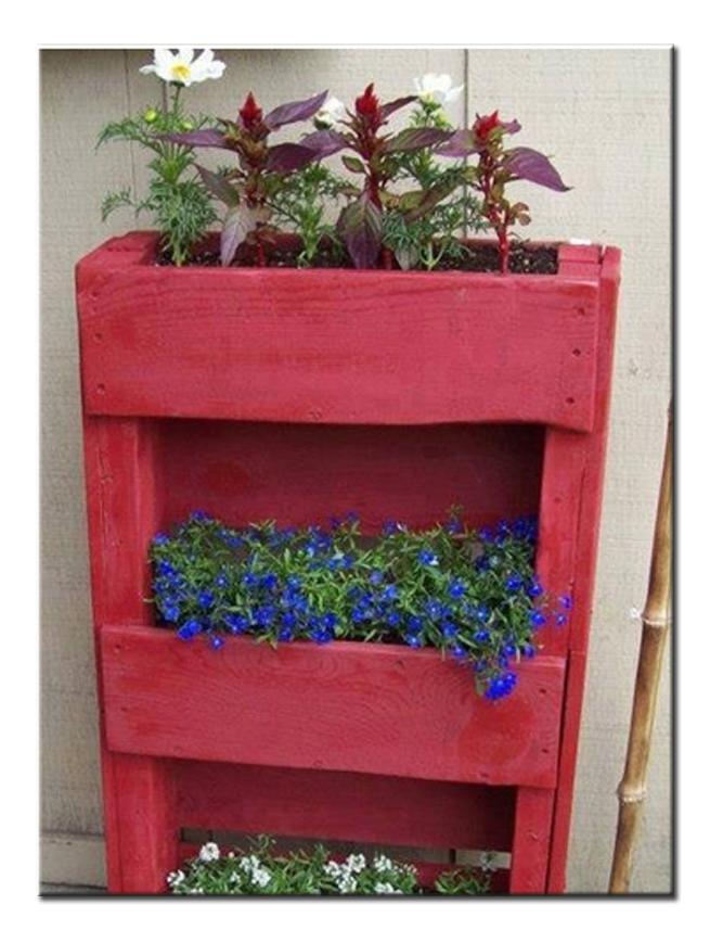 Ящики для цветов из поддонов своими руками 12
