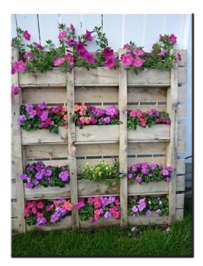 Ящики для цветов из поддонов своими руками 5