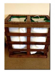 Ящик для белья из поддонов в ванную