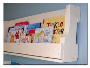 Полка из поддона для детской комнаты