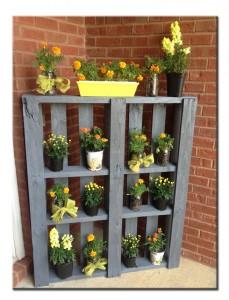 Подставка для цветов из паллет